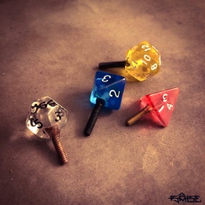 gamer dice contact screws